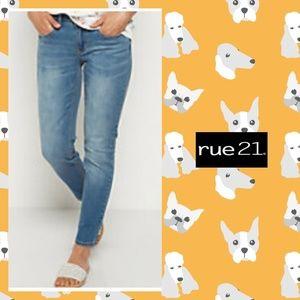 Rue21 mid-rise skinny jeans sz 7/8